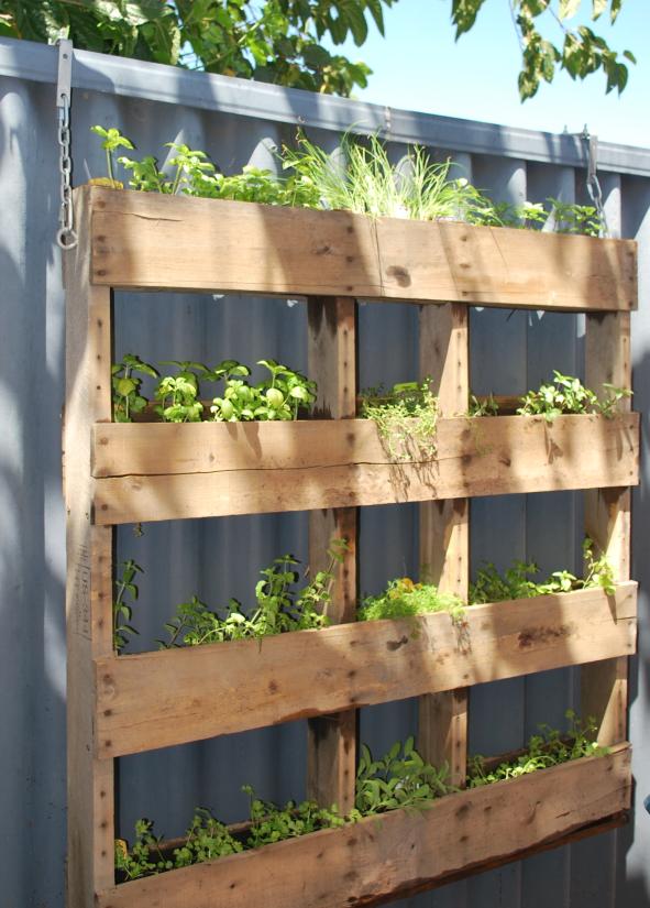hanging pallet herb garden 2